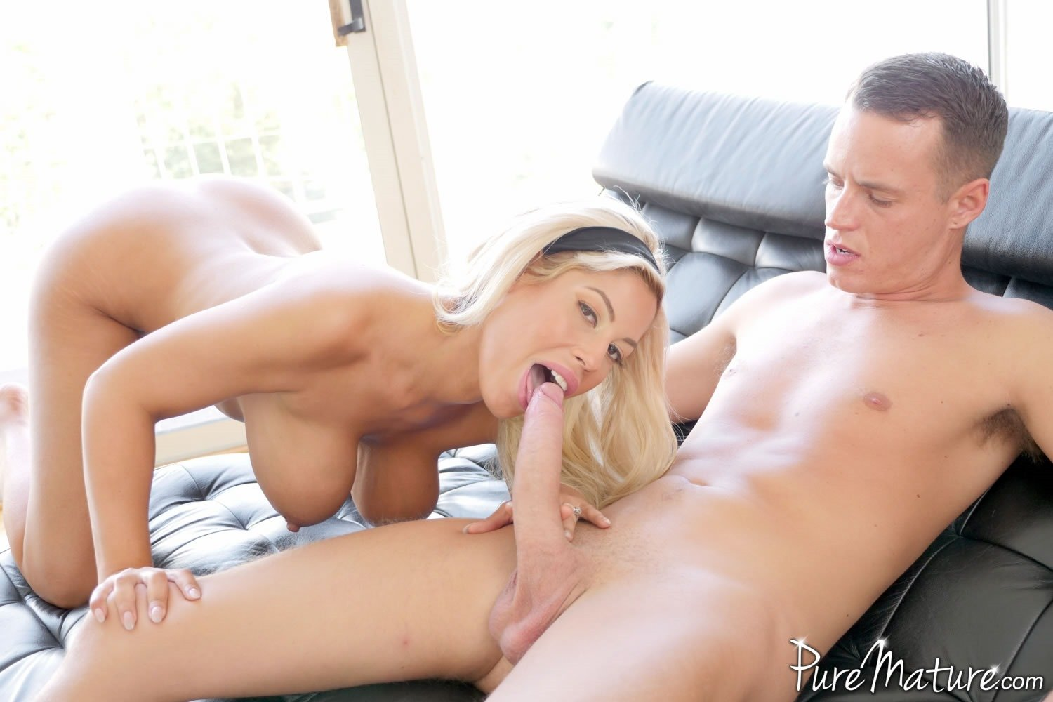 Puremature horny milf makes online hookup with stud 10